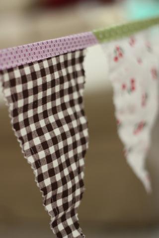 Birthday linens 337